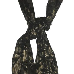 SCARF BY COLLECTION EIGHTEEN BLACK AND GOLD